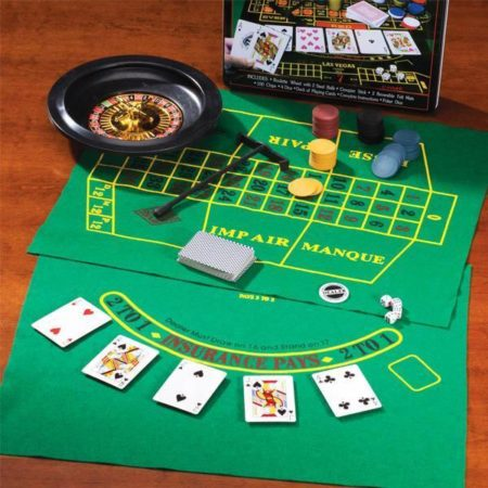 5 i 1 game set (roulette, poker, black jack m.m.)